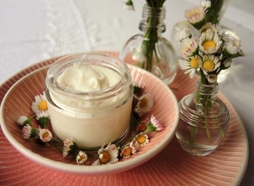 Creme Gänseblümchen (6)a
